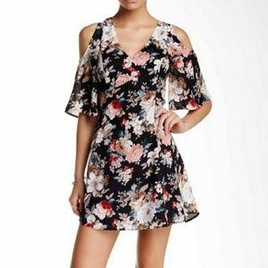 Jealous tomatoe Open shoulder dress